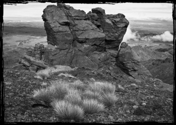 Tussock_Shist_Tors_on_the_Dunstan_Range_Central_Otago