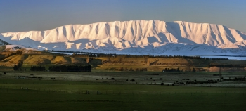 Panorama_of_Mt_St_Bathans_from_Queensberry_Central_Otago_