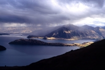 Southerly_front_approaching_over_Mt_Roy_and_Roys_peninsula_Lake_Wanaka_from_Lookout_hill_on_West_Wanaka_station