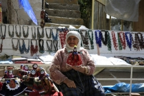 Turkish_Doll_maker_at_roadside_stall