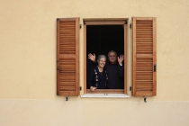 Anna_Carotti_in_shuttered_window_at_Parvo_Domus_Montecarotto