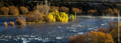 Autumn_Colours_in_Central_Otago___The_Clutha_River_near_Luggate